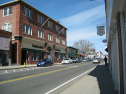 Main St, Plymouth